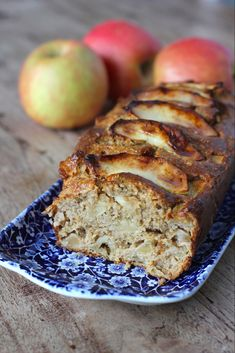 The Good Life - Havermout appelcake Healthy Cake, Healthy Sweets, Healthy Baking, Healthy Snacks, Healthy Breakfasts, Protein Snacks, High Protein, Baking Recipes, Dessert Recipes