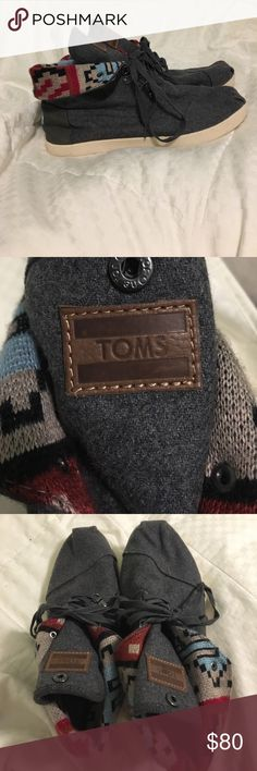 Multicolor knit TOMS Worn once. Very lightweight grey Toms with a multicolor geometric print. Tongue of the shoe can snap down to hide the laces. Ankle of the shoe can also be pulled up to hide the print. Slight scuff on the right shoe's front leather logo, but otherwise in very good condition. Does not come with the box. Men's 9. TOMS Shoes Sneakers