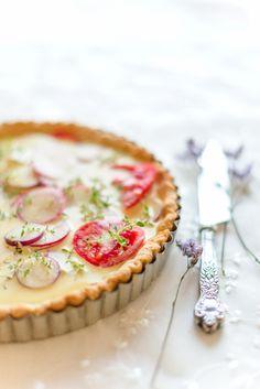 ... radish, tomato and fresh herbs tart ...