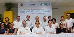 Periodismo sin Censura: Carlos Joaquín firma un convenio con el Coneval pa...
