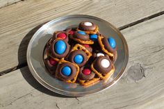 finished pretzel chocolate snacks, 4th of July party food