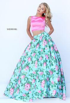 Foto 24 de 30 Conjunto dos piezas con top rosa y falda de flores con bolsillos   HISPABODAS