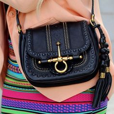 Gucci bag.... I must have this!