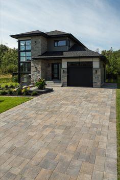 Modern Exterior House Designs, Modern House Facades, Dream House Exterior, Modern Architecture House, Modern House Plans, Modern House Design, Architecture Design, Modern Exterior Products, House Front Design