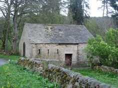 lovely old english barn ...