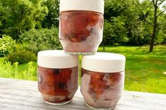 freezer jam-I think I'm going to use low sugar pectin and try this!