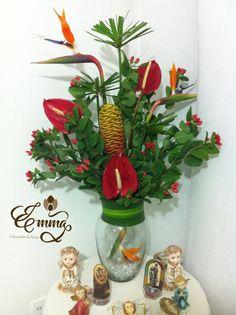 Arreglo de flores exóticas, más información en https://www.instagram.com/emmacontactoficial/ o https://m.facebook.com/emmacontactoficial/