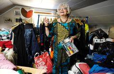 Anja Luoma toimittaa kehitysapua malawilaiseen kylään. Sari, Fashion, Saree, Moda, Fashion Styles, Fasion, Saris