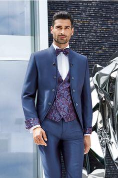 Dieser Hochzeitsanzug ist erhätllich bei Steinecker in Randegg, Graz, Salzburg und Wien. Salzburg, Suit Jacket, Breast, Costume, Suits, Model, Jackets, Fashion, Bride Groom