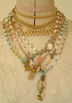 Love these vintagey colors #jewelry #vintage #pastels