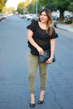 Toni of #thelovehanger in a pair of pants from #crossroadstrading