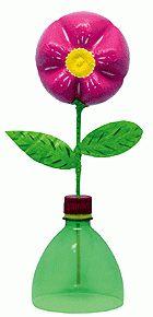 Centro de mesa feito de garrafa Pet - Florzinha de Garrafa Pet - Dicas pra Mamãe
