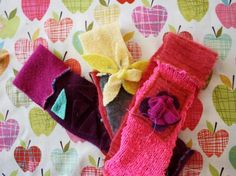 How-To: Fall Sweater Headband @Craftzine.com blog  http://blog.craftzine.com/archive/2010/11/felted_fall_sweater_headband.html#