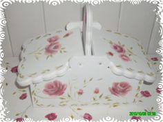 bandejas con yerbera decoupage marina - Buscar con Google Decoupage Vintage, Cold Porcelain, Hobbies And Crafts, Shabby Chic, Baby Shower, Box, Painting, Google, Ideas