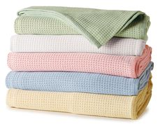 Thermal Cotton Blankets - Luxury Blankets - Light and airy, 100% cotton thermal blankets have been expertly woven in Spain by generations of master weavers