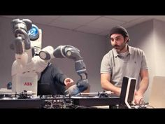 Watch #YuMiRobot try his hand(s) at DJing from @DJYodaUK for @Ford Fiesta launch - ow.ly/hQpw306QXbp What do you think? #collaboration