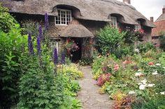 Google Image Result for http://1.bp.blogspot.com/-CKvfubQ1Tbg/Tri-0_5B4rI/AAAAAAAAAsE/BldLXmgXriY/s1600/plans-english-cottage-style-garden-800x800.jpg