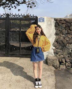 korean fashion outfits that look trendy. korean fashion outfits that look tr Korean Fashion Trends, Korean Street Fashion, Korea Fashion, 80s Fashion, Cute Fashion, Asian Fashion, Trendy Fashion, Girl Fashion, Fashion Outfits