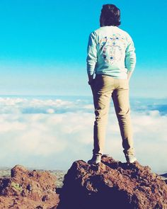 One of our all time favorite pictures of one of our customers @KeatonDrees wearing our Pocketed Island Reef Tribal T-shirt on top of a 13000 foot volcano in Hawaii #PalmLife