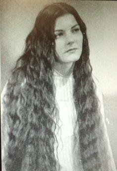 Long Locks, Hairdresser, Jon Snow, Capes, Dreadlocks, Retro, Hair Styles, Beauty, Vintage