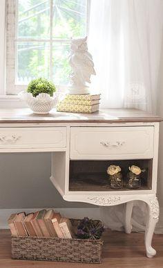 FrenchProv Desk W White Waxed Top
