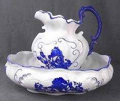 72: Fine Blue and White Porcelain Bowl and Pitcher : Lot 72
