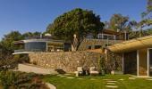 Prelepa kuća na obali sa fotonaponskim nizom za penzionisani bračni par
