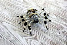 """Купить Брошь-паук """"Аргиопа"""" - паук, брошь, украшение, подарок для девушки, серый, черный, золотой"""