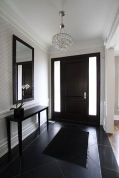 Another black door. See this a lot on entry doors but not interior ones. loving the blackkkkkkkkkkkkkk