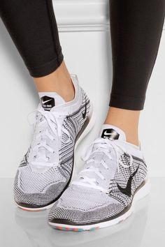 huge discount d7b8a e4206 NIKE Cool Nike Shoes, Cool Nikes, Black Nike Shoes, Black Nikes, Nike