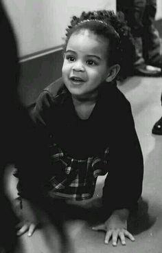 Blue Ivy Carter looks just like her daddy, Jay-Z. She no longer looks like mommy, Beyoncé.