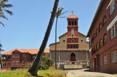 St Elmos Convent - abandoned - Umzumbe Elmo, Abandoned, Beach House, Saints, Coast, Architecture, Left Out, Beach Homes, Arquitetura
