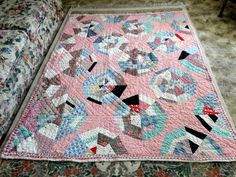 SPIDERWEB PATCHWORK DESIGN QUILT ~1930's-40's~SEED & FLOUR SACK ~ HAND QUILTED
