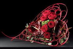Armature with red roses, red anthuriums and dogwood. Roses Valentine, Valentine Heart, Arte Floral, Red Flowers, Red Roses, Gift Flowers, Fleur Design, Design Floral, Ikebana