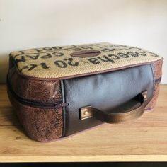 patron valise nouméa (3) Couture, Pyjamas, Lunch Box, Bags, Zipper Bags, Sleepover Party, Retro Look, Boss, Handbags