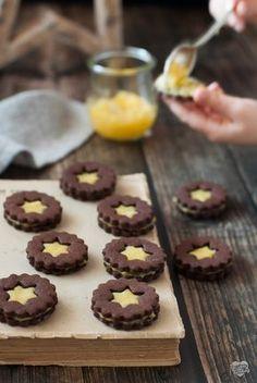 Una variante golosa dei classici Spitzbuben con la marmellata Biscotti Cookies, Galletas Cookies, Gooey Cookies, Cupcake Cookies, Christmas Desserts, Christmas Baking, Pav Recipe, Coffee Recipes, No Bake Cake