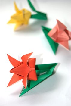 Paper Flowers | adoboart.com Paper Flowers, Diy Projects, Handmade, Hand Made, Handyman Projects, Handmade Crafts, Diy Crafts, Handarbeit