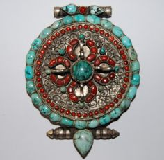"""Tibetan """"gau"""" amuletbox from south-east Tibet"""