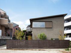 平和の家 Pool House Designs, House Roof, Japanese Design, Home Renovation, Home Projects, Facade, Exterior, Mansions, Architecture