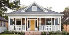 New Craftsman Exterior Remodel Fixer Upper Ideas Joanna Gaines House, Joanna Gaines Farmhouse, Magnolia Joanna Gaines, Chip And Joanna Gaines, Modern Farmhouse Bathroom, Modern Farmhouse Exterior, Modern Farmhouse Style, Farmhouse Decor, Texas Farmhouse
