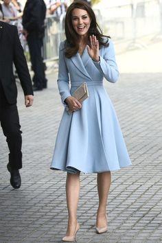 Looks Kate Middleton, Estilo Kate Middleton, Kate Middleton Outfits, Kate Middleton Fashion, Princess Kate Middleton, Elegant Outfit, Classy Dress, Classy Outfits, Elegant Dresses