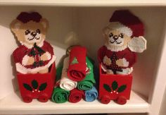 Plastic canvas mr and ms bear in wagon