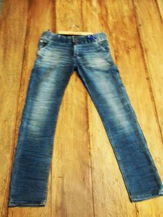 Peça desenvolvida por Canaã Customização. #homemmodernousajeans #modajeans #universocanaa #canaacustomizacao #jeans #customizacao #calcajeans @canaacustomizacao