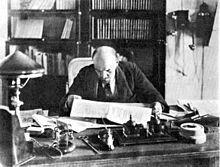 Lenin ging na de Revolutie van 1905 terug naar Rusland, maar toen brak de Eerste Wereldoorlog uit. het parlement werd door de Tsaar ontbonden. Lenin ging terug naar Zwitserland waar hij veilig was