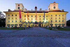 Schlosshochzeit Louvre, Mansions, House Styles, Building, Travel, Home Decor, Places, Viajes, Decoration Home