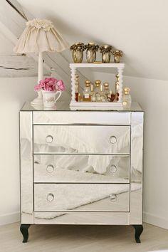 commode miroirs vieillis winsome am pm prix promo commode. Black Bedroom Furniture Sets. Home Design Ideas