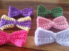 Hand crochet bow brooch by Twiddliebits on Etsy