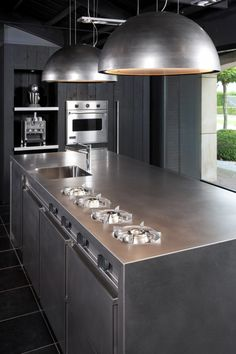 Making kitchen design is quite a difficult process. Because it is important to provide ease of use of many tools in kitchen design. In addition to thi. Home Interior, Kitchen Interior, New Kitchen, Kitchen Dining, Kitchen Decor, Kitchen Island, Modern Outdoor Kitchen, Industrial Kitchen Design, Commercial Kitchen