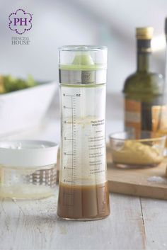 With your new Princess House® Specialty Make + Serve Dressing Bottle, you can prepare, pour, enjoy and store your homemade healthy salad dressing!