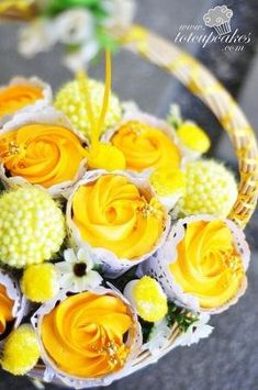 cupcake bouquet by claudia